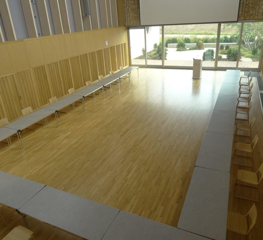 Boardroom 'U' Layout